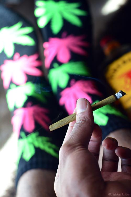 keep calm and smoke